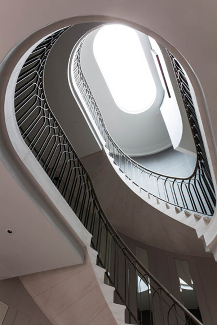 42. Two-storey Malone stone staircase with edgings to gallery – Hertfordshire
